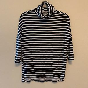 B/W stripped top! Size XS